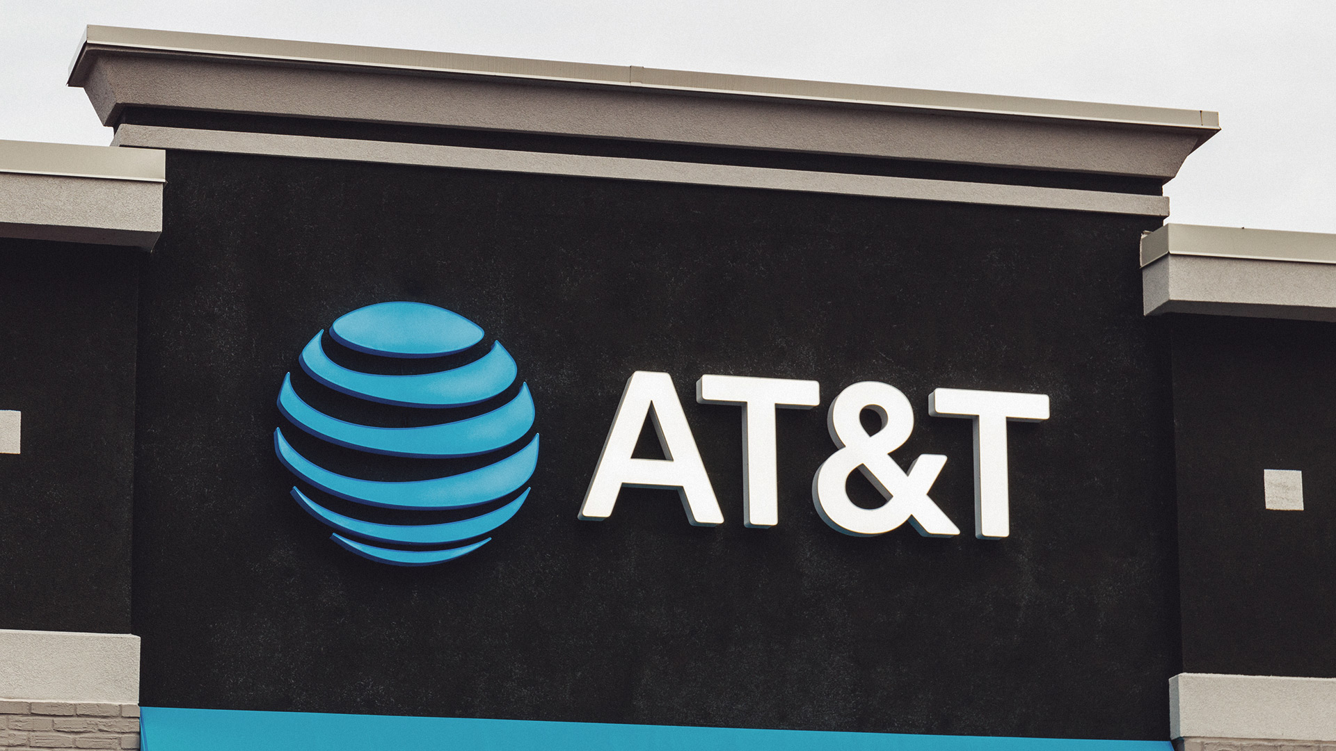 Court says AT&T SIM hack plaintiff's $24M crypto loss not result of security lapse, must amend suit - The Block
