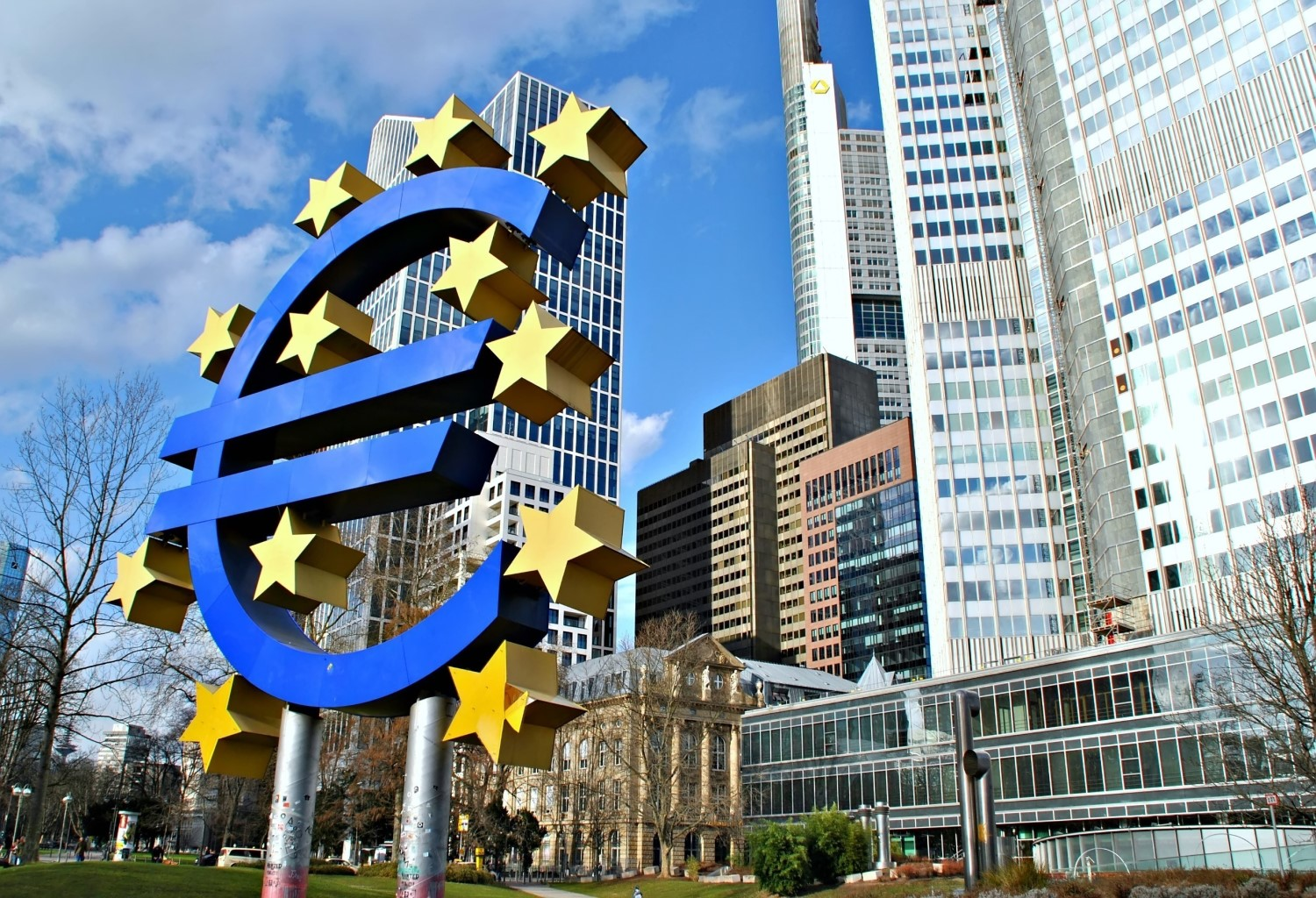 ECB warns of 'risks to stability' if central banks don't offer digital currencies