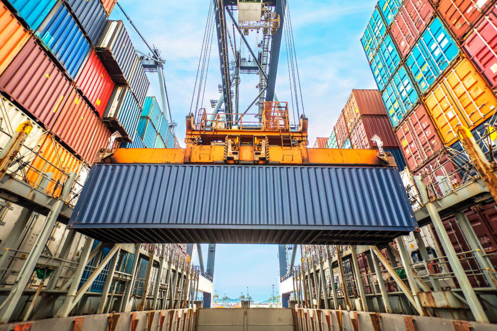 BIS highlights decentralization and distributed ledgers with trade finance digitization competition