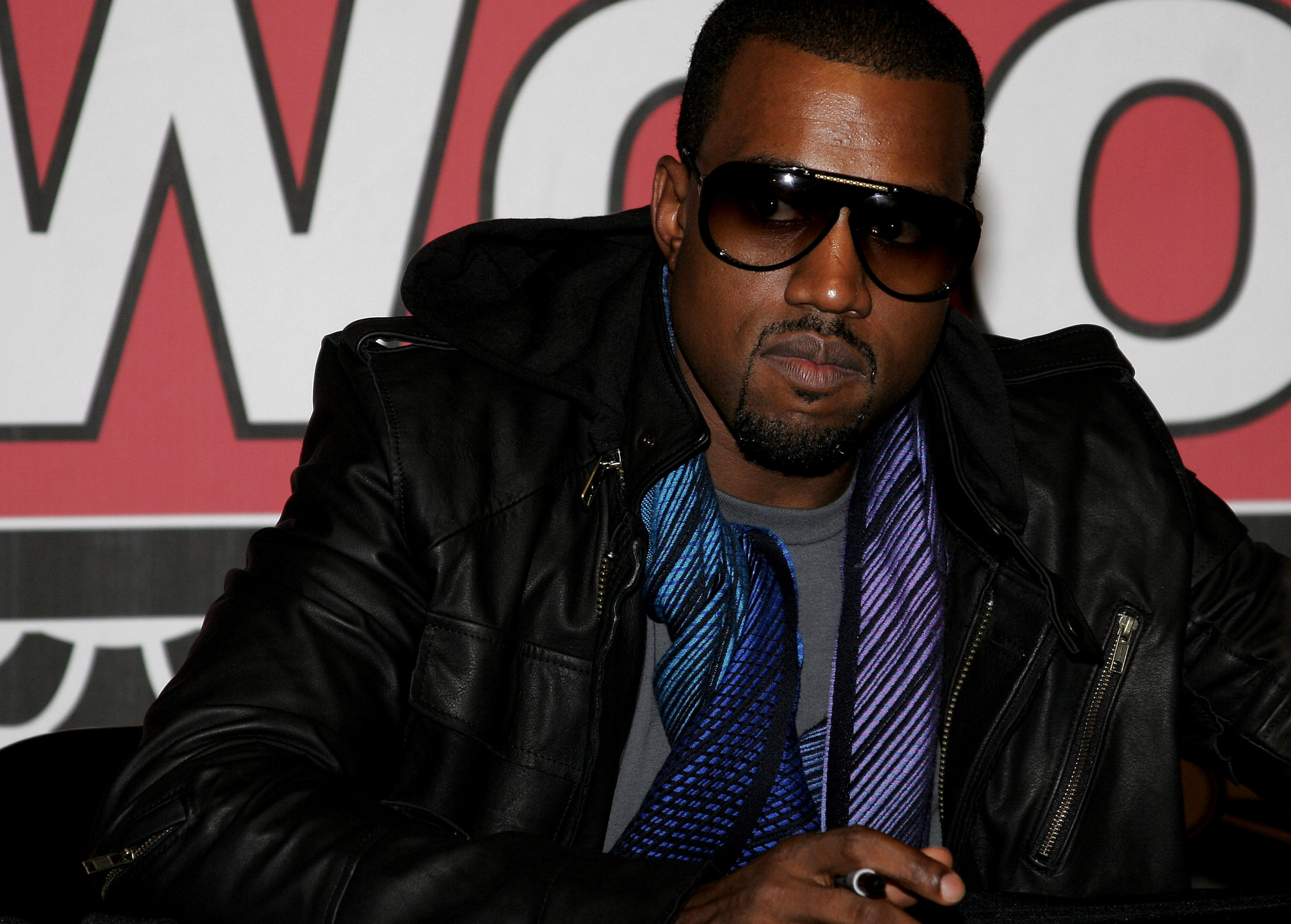 The artist who painted Kanye West mural in Chicago will sell it as an NFT on Avalanche